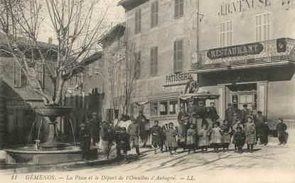 """CPA FRANCE 13 """"Gémenos, la Place et le Départ de l'Omnibus d'Aubagne"""""""