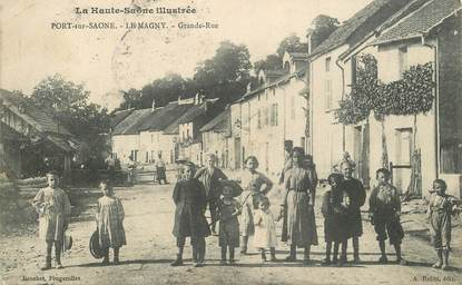 "CPA FRANCE 70 ""Port sur saone, Le Magny, la grande rue"""