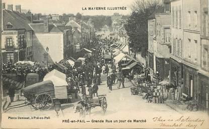 """CPA FRANCE 53 """"Pré en Pail, la grande rue un jour de marché"""""""