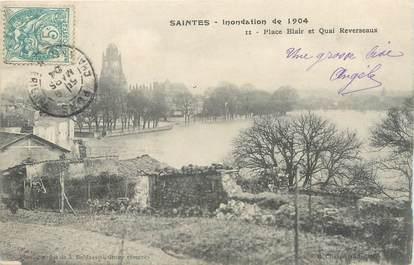 """/ CPA FRANCE 17 """"Saintes, place Blair et quai Reverseaux"""""""