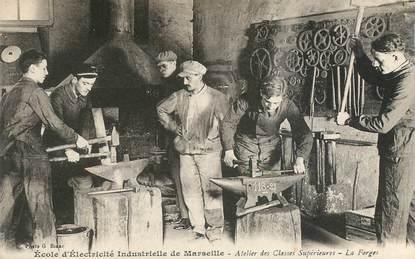"""CPA FRANCE 13 """"Marseille, Ecole d'Electricité industrielle, atelier des classes supérieures, les Forges"""""""