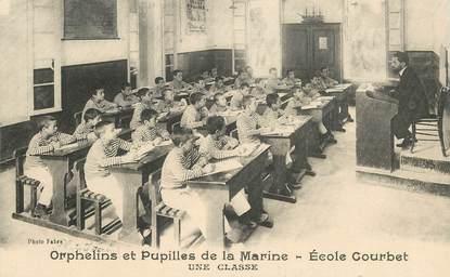 """CPA FRANCE 13 """"Marseille, Ecole Courbet, orphelins et pupilles de la Marine"""""""