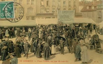 """CPA FRANCE 14 """"Lisieux, Place Thiers, un jour de marché"""""""