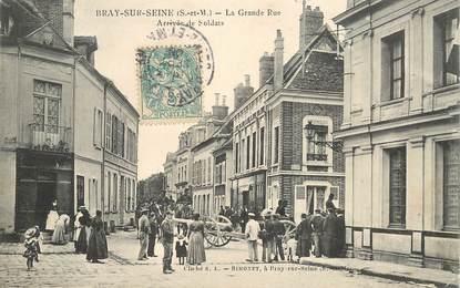 """CPA FRANCE 77 """"Bray sur Seine, la Grande rue"""""""