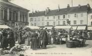 """88 Vosge / CPA FRANCE 88 """"Remiremont, la place du marché"""""""