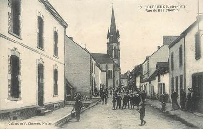 "/ CPA FRANCE 44 ""Treffieux, rue du Bas Chemin"""