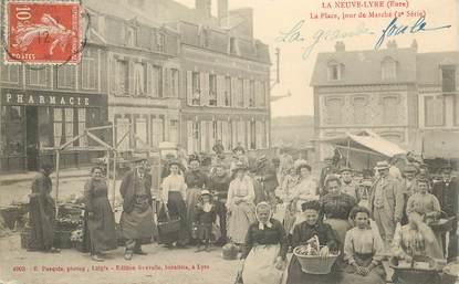 """CPA FRANCE 27 """" La Neuve Lyre, la Place, un jour de marché"""""""