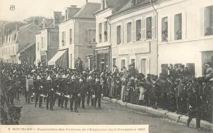 """CPA FRANCE 18 """"Bourges, Funérailles des Victimes de l'Explosion du 2 novembre 1907"""""""