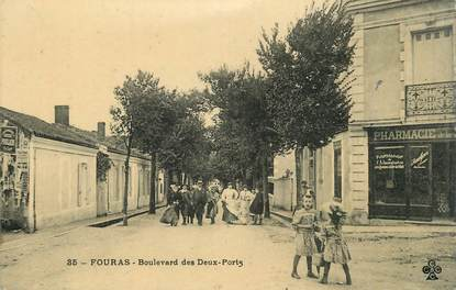 "/ CPA FRANCE 17 ""Fouras, bld des deux ports"""