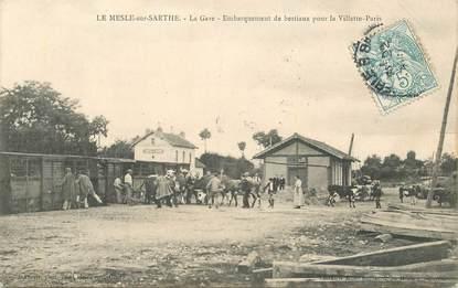 """CPA  FRANCE 61 """"Le Mesle sur Sarthe, la Gare, embarquement des bestiaux pour Paris La Villette"""""""""""