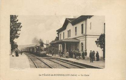 "CPA  FRANCE 38 ""Le Péage de Roussillon, la gare"" / TRAIN"