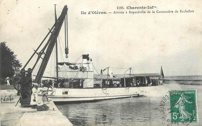 """/ CPA FRANCE 17 """"Ile d'Oléron, Arrivée à Boyardville de la Canonnière de Rochefort"""""""