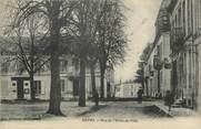 """17 Charente Maritime / CPA FRANCE 17 """"Matha, rue de l'hôtel de ville"""""""