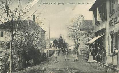 """CPA  FRANCE  38 """"Longechenal, Ecole et rue de la gare"""""""