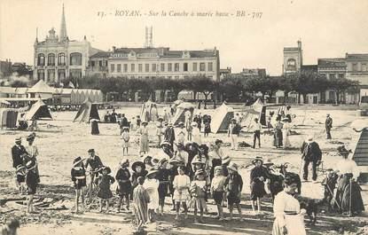 """/ CPA FRANCE 17 """"Royan,  sur la conche à marée basse"""""""