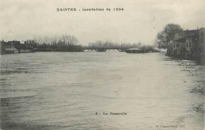 "/ CPA FRANCE 17 ""Saintes, la passerelle"" / INONDATION"