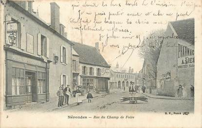 """/ CPA FRANCE 18 """"Nérondes, rue du Champ de foire """""""