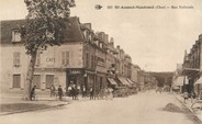 "18 Cher / CPA FRANCE 18 ""Saint Amand Montrond, rue Nationale """