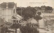 """33 Gironde / CPA FRANCE 33 """"Andernos Les Bains, la place terrasse, les hôtels"""""""