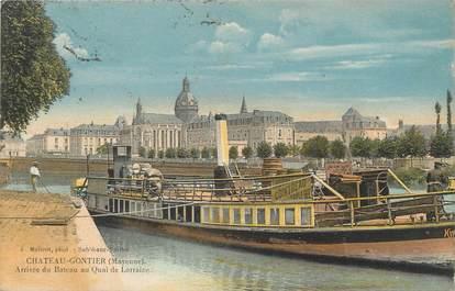 """/ CPA FRANCE 53 """"Château Gontier, arrivée du bateau au quai de Lorraine"""""""