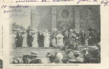 """/ CPA FRANCE 79 """"La Mothe Saint Heraye, présentation des Rosières à la sortie de l'église"""""""