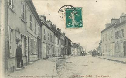 "/ CPA FRANCE 80 ""Ailly sur Noye, rue Pellieux"""