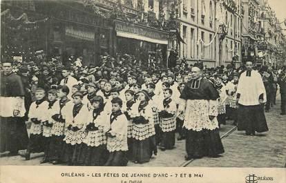 """CPA FRANCE 45 """"Orléans, les fêtes de Jeanne d'Arc, 7 et 8 mai, le défilé"""""""