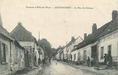 "/ CPA FRANCE 80 ""Guyencourt, la rue du château """