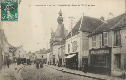 """/ CPA FRANCE 78 """"Bonnières, place de l'hôtel de ville"""""""