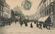 """28 Eure Et Loir CPA FRANCE 28 """"Dreux, la grande rue un jour de marché"""""""