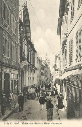 """CPA FRANCE 74 """"Evian les Bains,  la rue Nationale"""""""