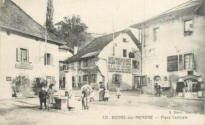 """CPA FRANCE 74 """"Bonne sur Menoge, la place centrale"""""""