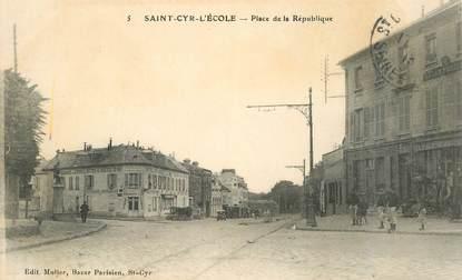 """CPA FRANCE   78   """"Saint Cyr l'Ecole, Place de la République"""""""