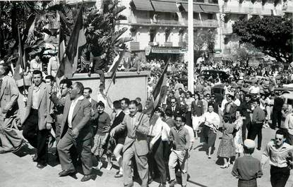 """CPSM ALGERIE """"Alger, le 13 mai 1958, montée au Forum"""""""
