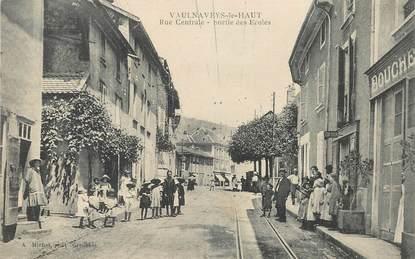 """CPA FRANCE 38 """"Vaulnaveys le Haut, rue centrale, sortie des Ecoles"""""""