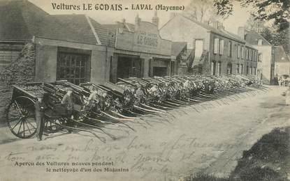 """CPA FRANCE 53 """"Laval, voitures Le Godais"""""""