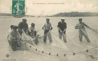 """CPA FRANCE 50 """"Iles Chausey, partie de pêche au filet"""""""