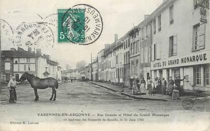 "CPA FRANCE 55 ""Varennes en Argonne, rue Grande et Hotel du Grand Monarque"""