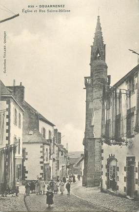 """CPA FRANCE 29 """"Douarnenez, Eglise et rue Sainte Hélène"""""""