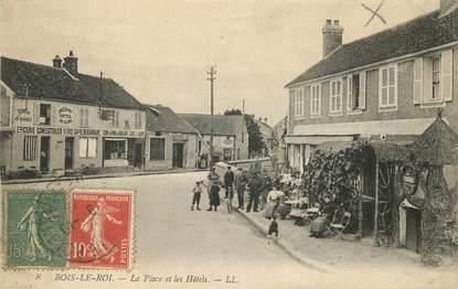 """CPA FRANCE 77  """"Bois le Roi, la place et les Hotels"""""""