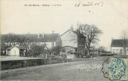 """CPA FRANCE 18 """"En Berry, Foëcy, la gare"""""""