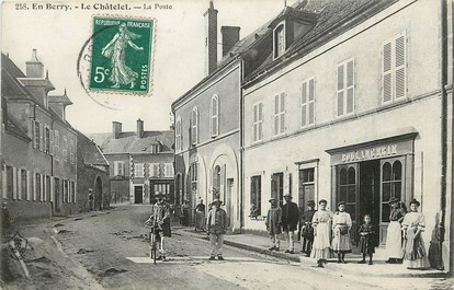 """CPA FRANCE 18 """"En Berry, le Châtelet, la Poste"""""""