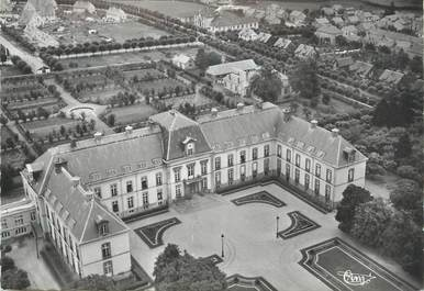 """/ CPSM FRANCE 71 """"Le Creusot, vue aérienne, l'hôtel Dieu"""""""