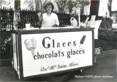 "/ CPSM FRANCE 71 ""Macon, Madame Saint, Glacier ambulant"""