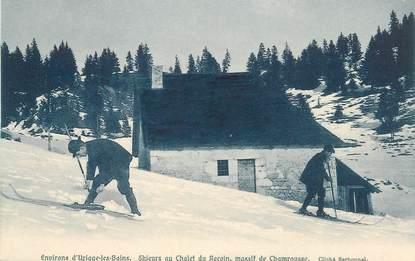 """CPA FRANCE 38 """"Env. d'Uriage les Bains, skieurs au chalet du recoin"""""""