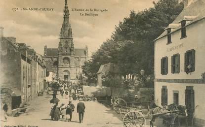 """CPA  FRANCE 56 """"Sainte Anne d'Auray, l'entrée de la bourgade, la basilique"""""""