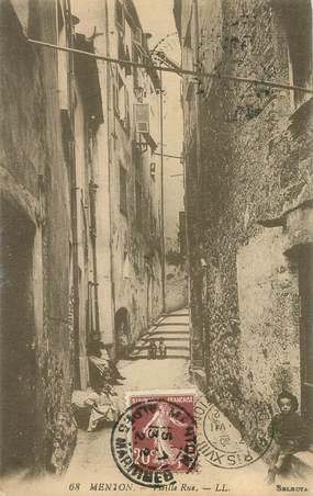 "CPA  FRANCE 06 ""Menton, une vieille rue"""