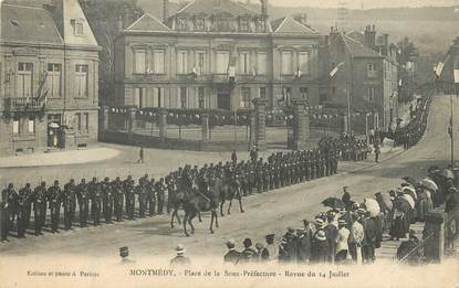 """/ CPA FRANCE 55 """"Montmédy, place de la Sous Préfecture"""""""