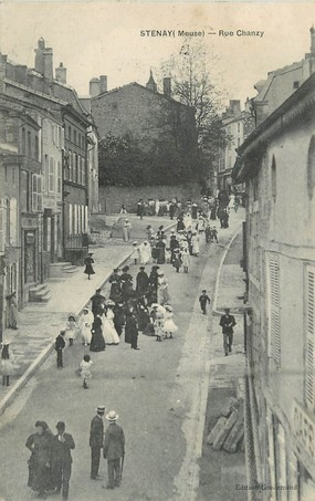 "/ CPA FRANCE 55 ""Stenay, rue Chanzy"""