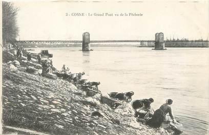 """/ CPA FRANCE 58 """"Cosne, le grand pont vu de la pêcherie"""" / LAVEUSES"""